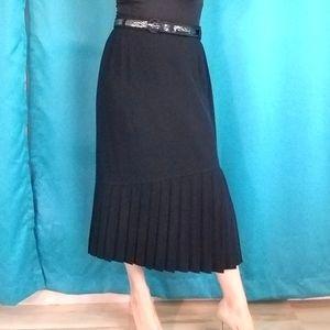 Louis Feraud Midi Pleated Belted Skirt